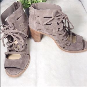 Vince Camuto  women's wedge shoes size 8M